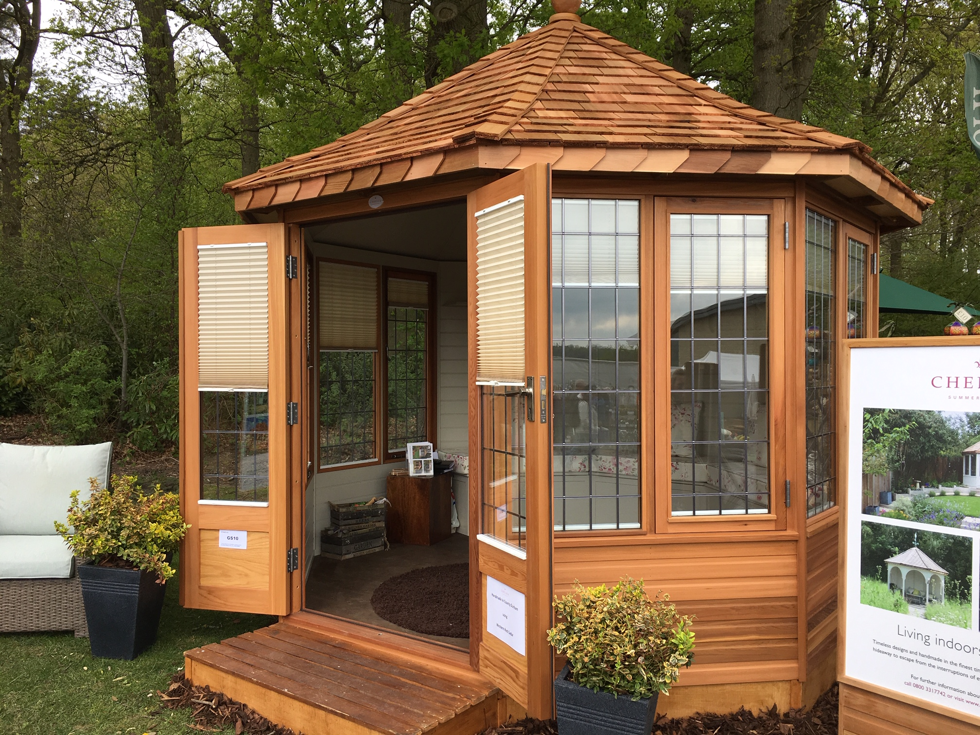 Chelsea Summerhouses - 3/8 - Chelsea Summerhouses - Traditional ...